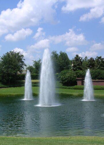 getti fontana cascade sul lago